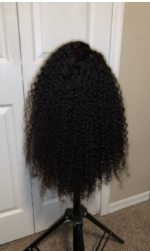Mannnnnnn this wig is BEAUTIFUL and s...