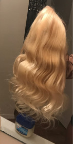 The hair is VERY soft, has NO smell, ...
